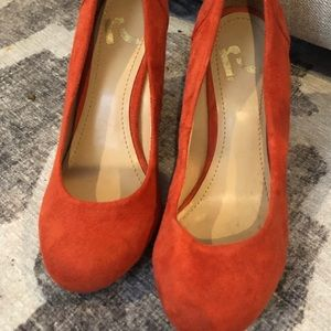 Round toe wedge heels sz 6